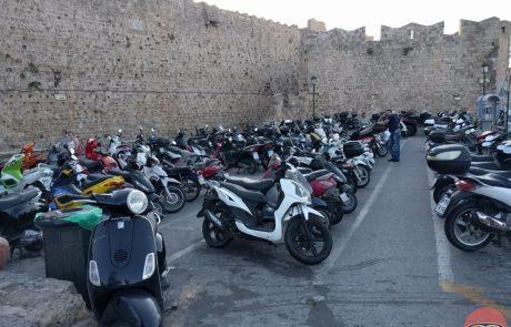 כחלון למען האופנוענים: האריך בשנה את תקנות המיסוי