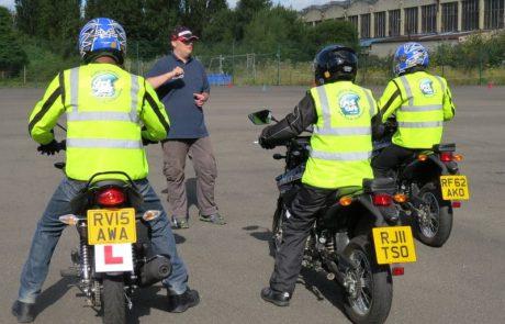 """מורי הנהיגה באופנועים עתרו לבג""""צ בגלל ביטוח החובה"""