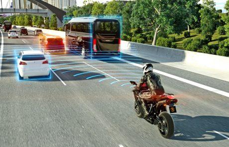 קונטיננטל מביאה את מערכות הבטיחות האקטיביות לעולם האופנועים