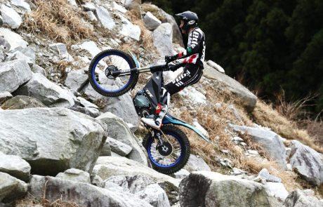קפיצת מתח: תכירו את אופנוע הטריאל החשמלי של ימאהה