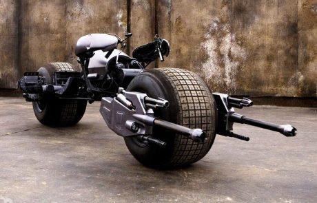 רעיון מהסרטים: פורד רושמת פטנט על אופנוע הנשלף מתוך מכונית