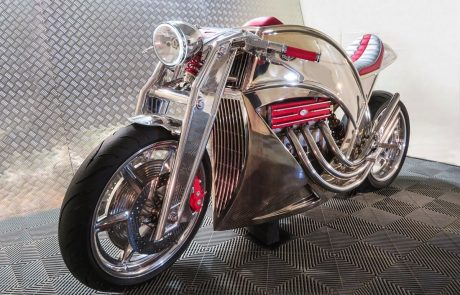 לא רק ג׳ינסים: ליוויס אופנועים חוזרת