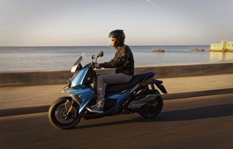 מילאנו 2017: ב.מ.וו מרחיבה את היצע הקטנועים עם C400X