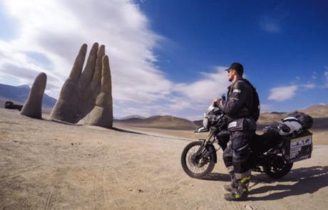 דברים שלומדים בגיל 22, כשמקיפים את העולם על אופנוע