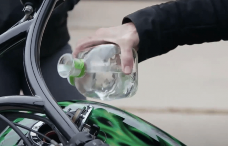 פטרון על גלגלים: האופנוע שנוסע על טקילה