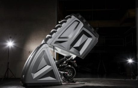 חניה מהעתיד: הקפסולה שתשמור לכם על האופנוע