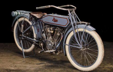 האופנוע הנדיר של סטיב מקווין עולה למכירה פומבית